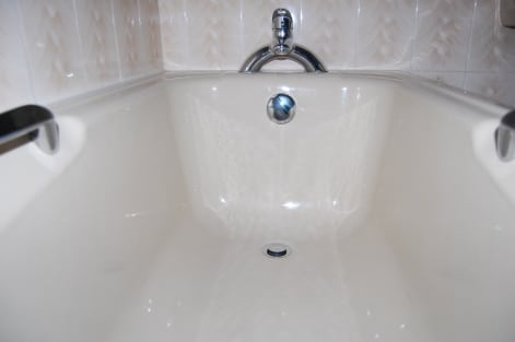 Image: 20 Year Old Vitreous Enamel Bath - As Good As New